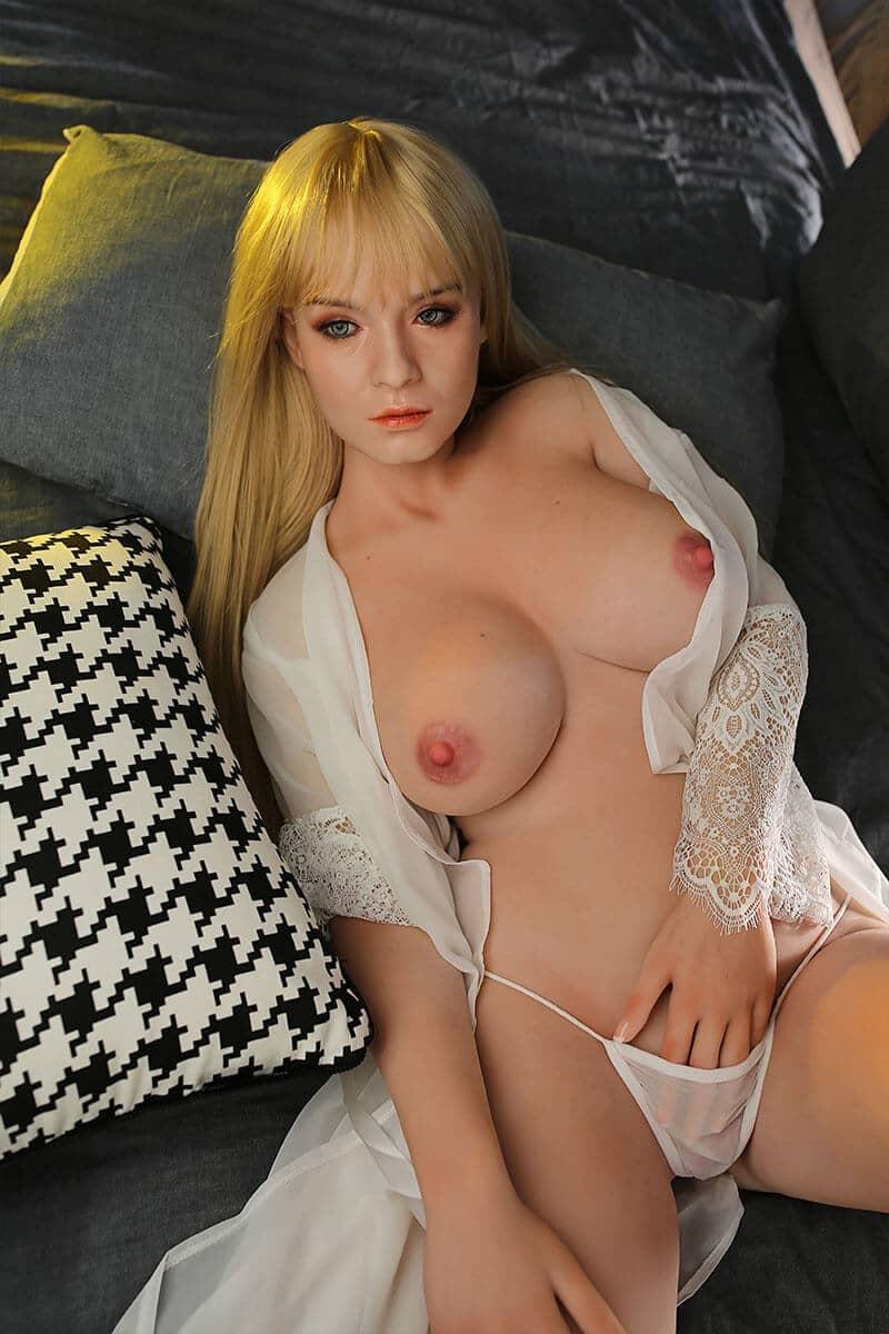 Cynthia (36 Jahre)